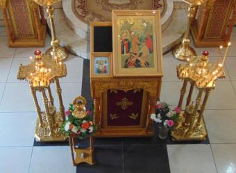 Неделя 4-я по Пятидесятнице. Иконы Божией Матери «Достойно есть (Милующая)»