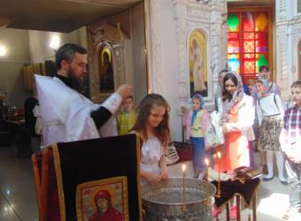 Накануне Святой Пятидесятницы в храме совершено крещение воспитанницы Воскресной школы