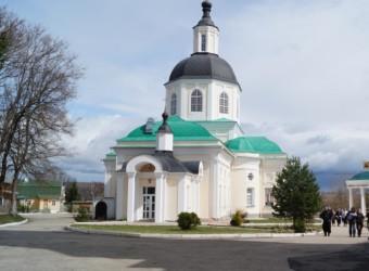 Воскресная школа совершила паломничество в Спаса Нерукотворного Клыковский монастырь