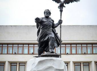 Настоятель храма принял участие в торжественном открытии памятника великому князю Ивану III в Калуге