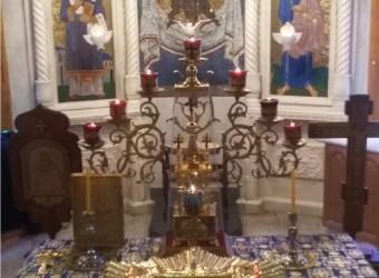 В храм святых бессребреников Космы и Дамиана в г. Калуге на постоянное пребывание принесена Почаевская икона Божией Матери