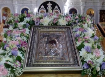 Калужане простились с чудотворной иконой Божией Матери «Достойно есть»