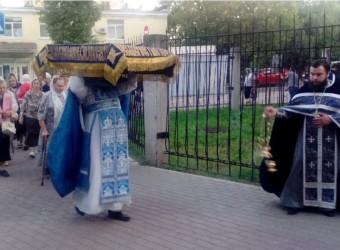 Вечерня с Чином погребения Божией Матери в храме святых бессребреников Космы и Дамиана в г.Калуге