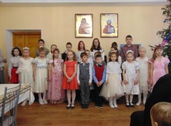 В дни Рождественских праздников Воскресная школа поздравила  прихожан и гостей храма