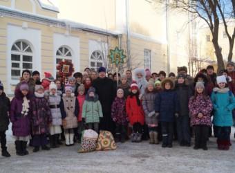 Воскресная школа храма поздравила митрополита Климента с Рождеством Христовым