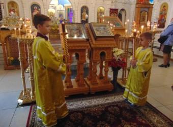 Неделя 2-я по Пятидесятнице, Всех святых, в земле Русской просиявших. Калужской иконы Божией Матери