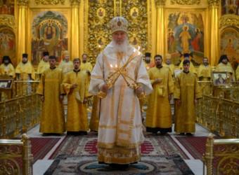 Настоятель храма сослужил митрополиту Калужскому и Боровскому Клименту в Свято-Троицком кафедральном соборе