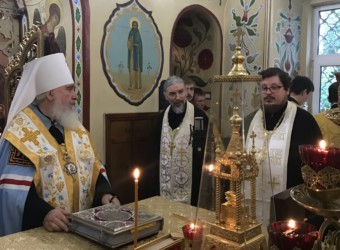 Настоятель храма сослужил митрополиту Калужскому и Боровскому Клименту в престольный праздник Петропавловского храма Калуги
