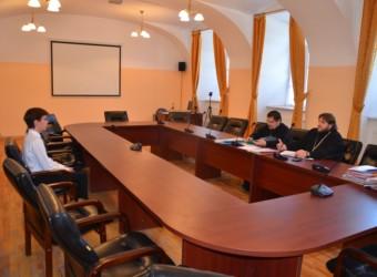 Настоятель храма провел собеседование для поступающих в Калужскую духовную семинарию