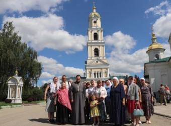Священнослужители и прихожане храма совершили паломничество в Дивеево и Муром