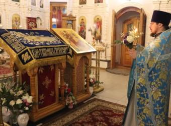 В храме святых Космы и Дамиана совершен Чин погребения Божией Матери