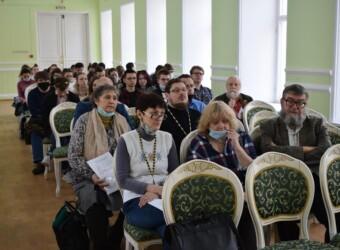 Проректор Калужской духовной семинарии по учебной работе выступил на Третьих Калужских университетских чтениях