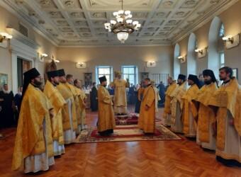 Настоятель храма сослужил митрополиту Клименту в Престольный праздник Калужской духовной семинарии